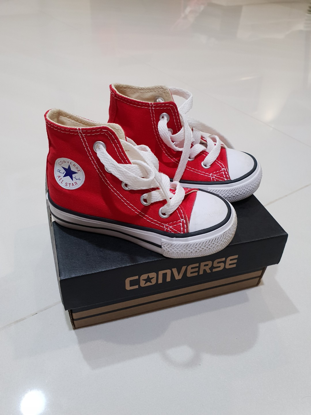 d225e0a1d2d8 Converse Toddler High Cut (Size 5)