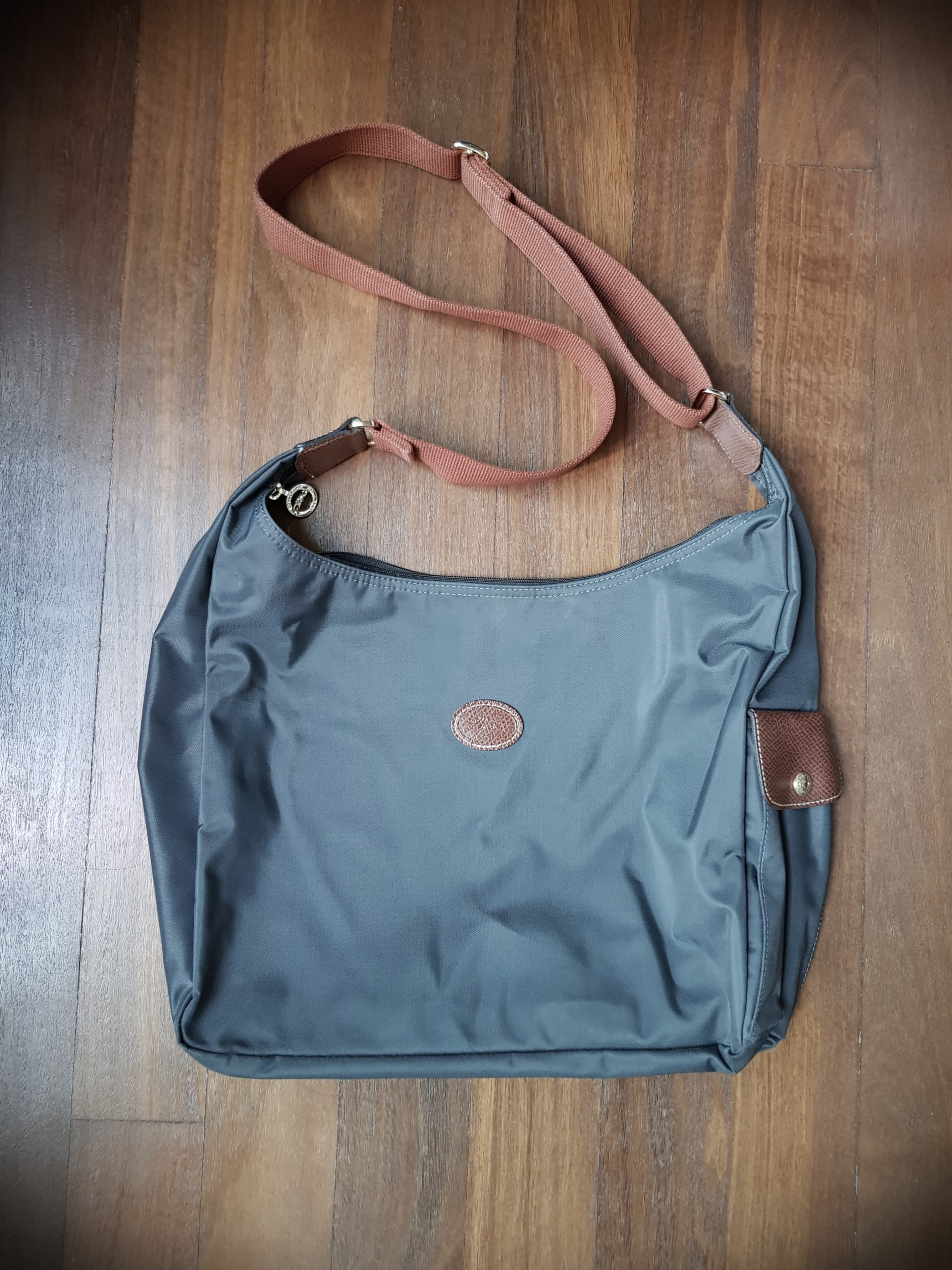 6d54bdc6ed6d 👜 Longchamp Le Pliage Hobo Bag