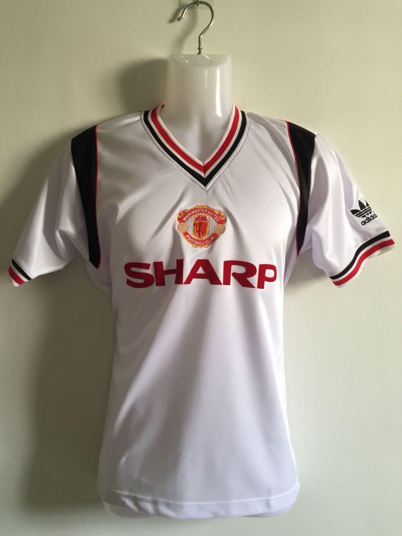 14b28e211bf Manchester United 1984-1986 Away
