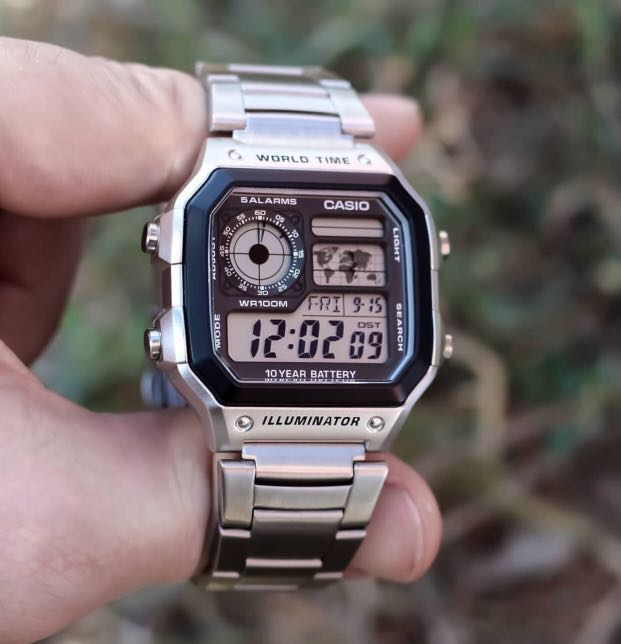 Casio World Map Watch.Silver Casio World Time Illuminator With Map Men S Fashion Watches