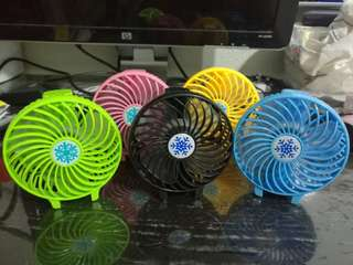 Portable handheld fan (USB Rechargeable)