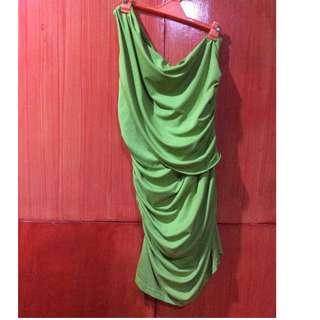 Venus cut green dress