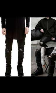 (PO) Black Ripped Jeans