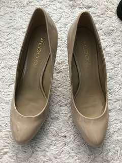 Also shoes size 8