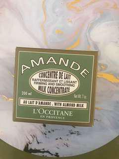 Amande firming and smoothing concentrate