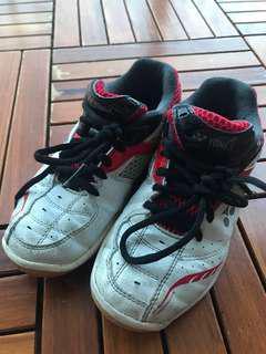 Yonex Kid Shoes EUR34
