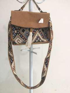 NEW !!! Tribal Bag (American Eagle)