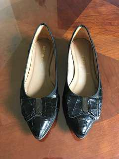 Bruno Magli flats shoes size 6