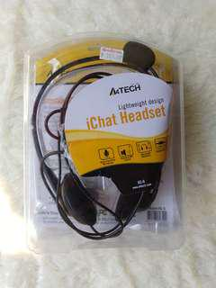 iChat headset w/ Noise Cancellation feature