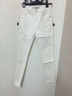 🚚 褲管破損白色窄管褲 白26腰