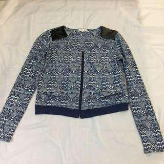 Cache cache blue pattern outer