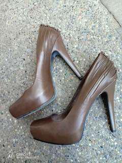 Repriced!!! Nine west platform heels