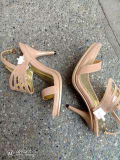 Gibi nude heels