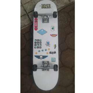 For sale 2pcs Skateboard for 1500 pesos