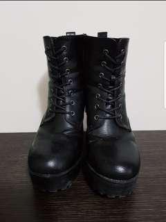 Womens Boots Size 39
