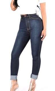 FASHION NOVA highwaist ankle jeans