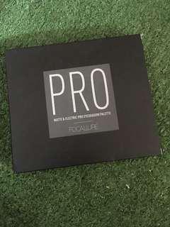Focallure PRO eyeshadow palette