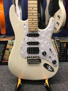 Bacchus Imperial White Blonde/Maple Stratocaster MIJ