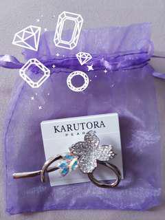 KARUTORA Crystal Brooch