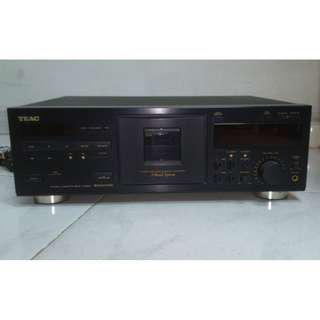 TEAC TAPE RECORDER AND PLAYER