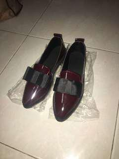 No brand shoe loafer