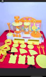 Hamtaro tart maker toy