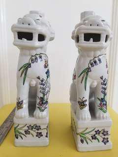 日本瑞兽装饰花瓶。一对