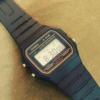 Casio F-91 全新 跳字錶