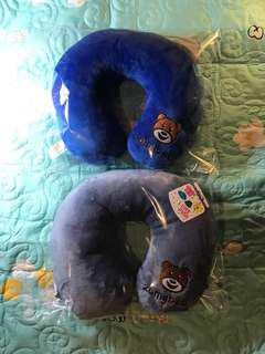 $4.90 - Comfort neck pillows for traveling w Free postage