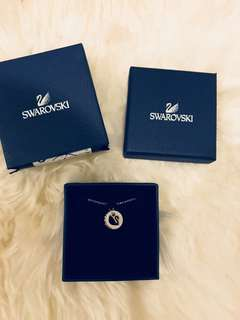 Brand new stunning Swarovski necklace 🔥