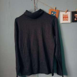 SWEATER TURTLENECK UNGU