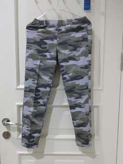 Uniqlo Army pants
