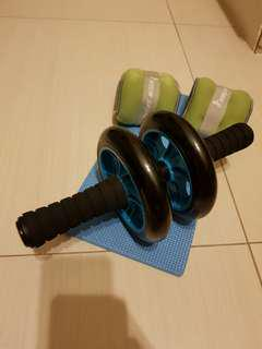 Selling Abs roller and weight