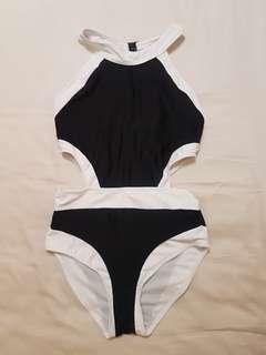 1 piece swimsuit size S