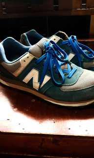 REPRICED Preloved New Balance Shoes (With Box)