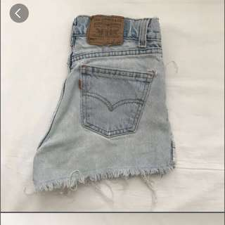 🌸 Levis High Waisted Denim Shorts