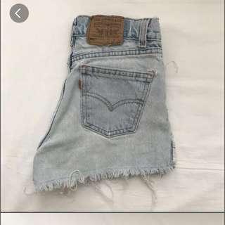 🌸 Levis High Waisted Denim Shorts