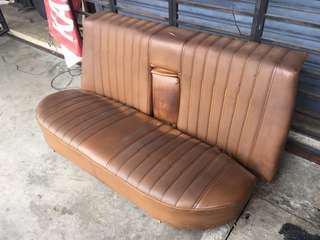 Seat belakang mercedes w123