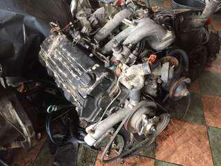 Engine kosong mercedes 190e w201