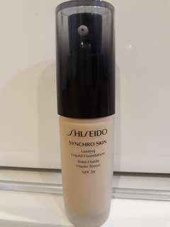 Shiseido Synchro Skin Liquid Foundation