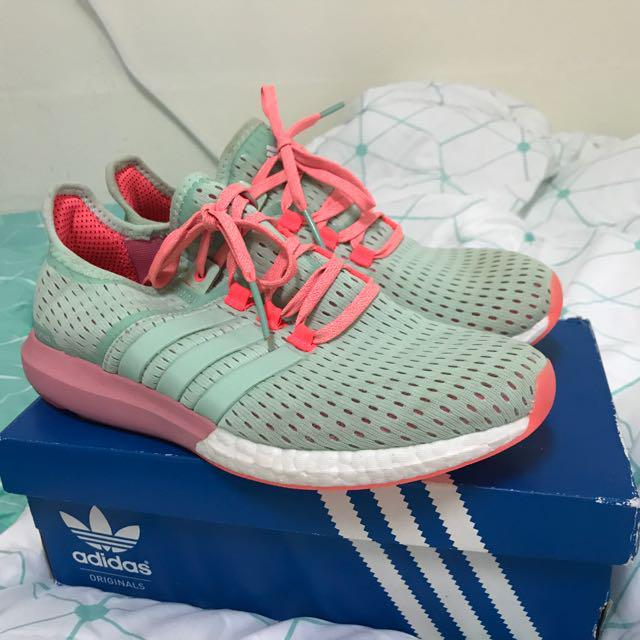 comedia Cena Mentalidad  Adidas Gazelle Boost Shoes, Women's Fashion, Shoes on Carousell