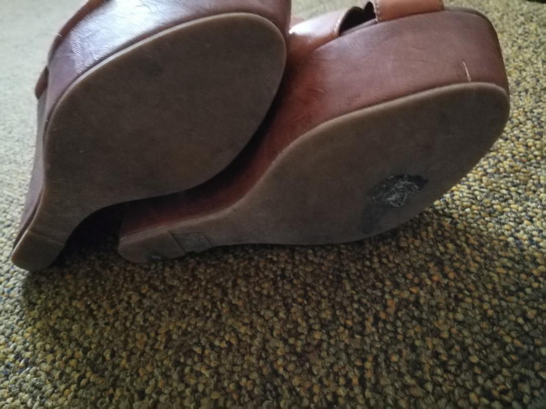 Amazing Aldo High Wedge Platform Sandals Size 6