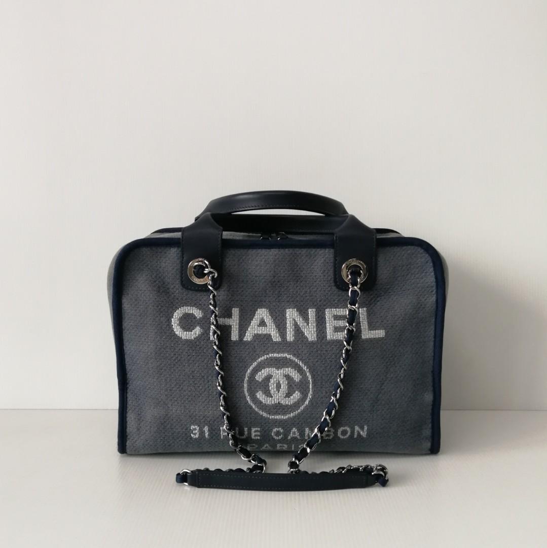 3dc66e670e28 Authentic Chanel Deauville Bowling Bag, Barangan Mewah, Beg dan ...