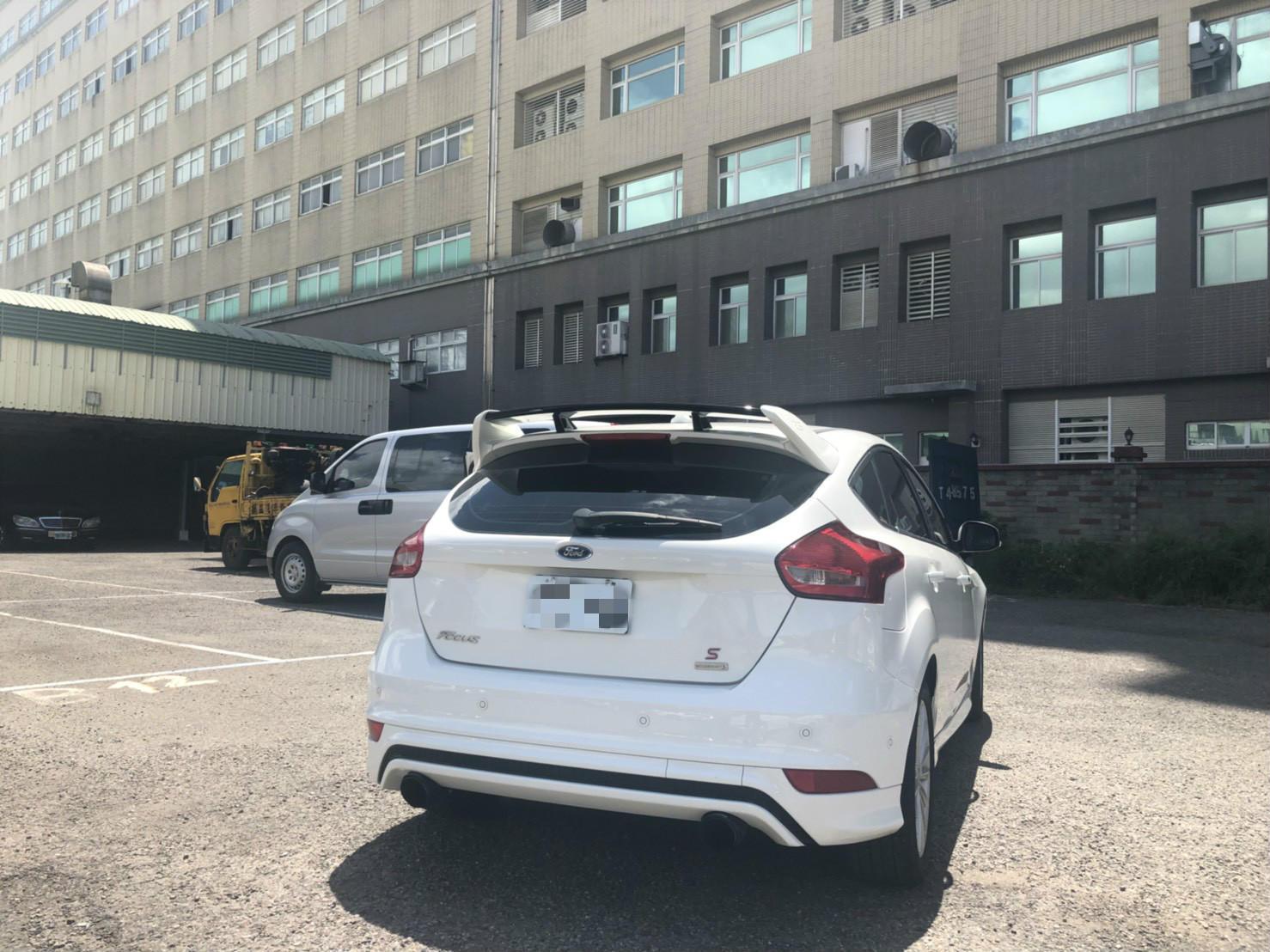 FOCUS 1.5T 有自動停車 全額貸 免頭款 低利率 FB:阿強優質中古車