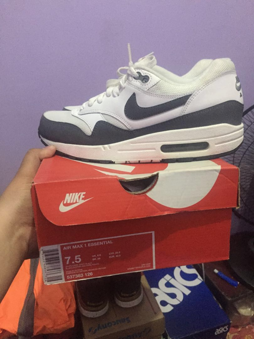 e6afd1ec9a Nike Air max 1, Men's Fashion, Footwear, Sneakers on Carousell