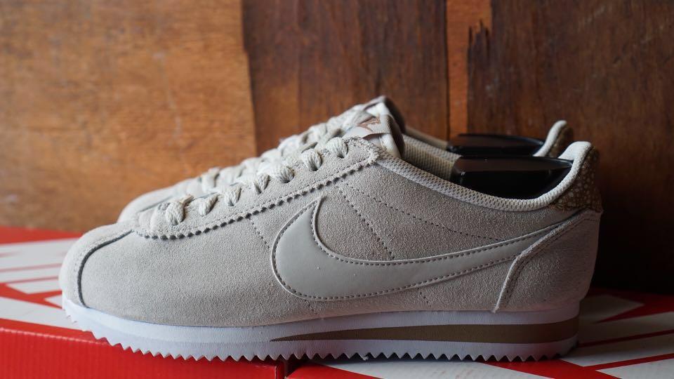 Nike Cortez 72 Suede Original Preloved Fesyen Wanita Sepatu Di Carousell