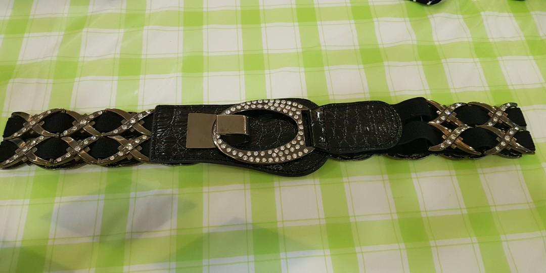 Plus size rubberised belt