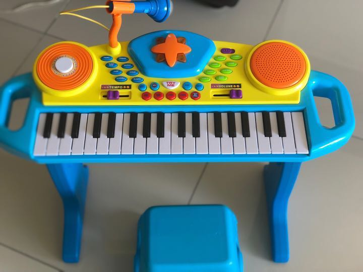 Preschool Light-Up Keyboard With Stool