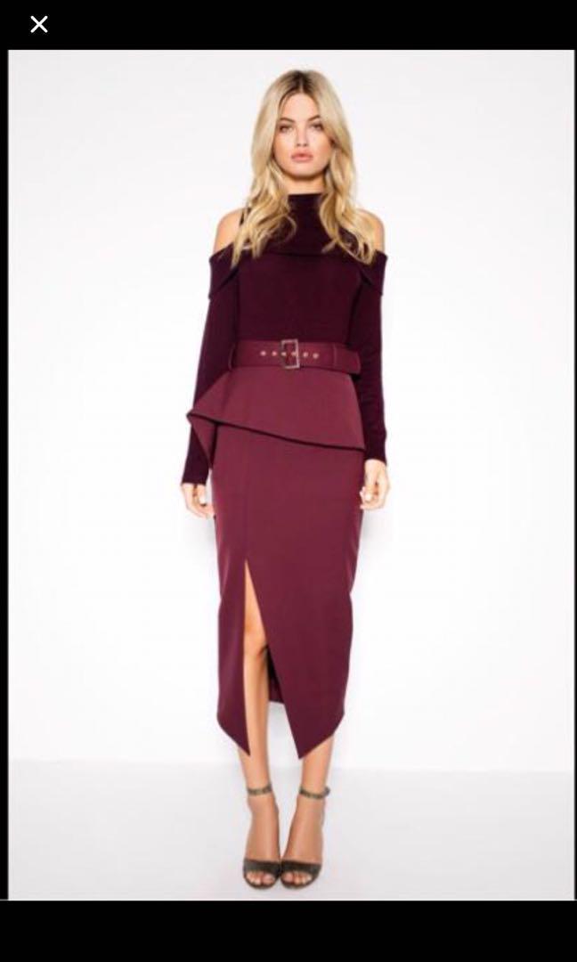 Stunning Sheike Carmen Wine Midi Skirt - Size 8