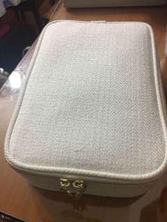 Cle de peau化妝袋